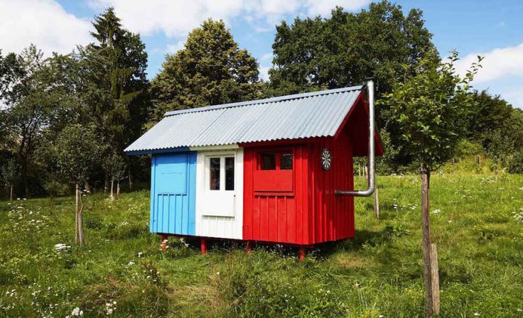This Tiny House Costs $1,200 and Takes Just Three Hours to Build