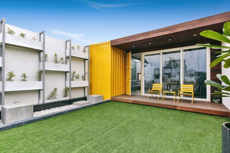 Estúdio para dois 01 850x567 Studio Wood transforma um contêiner de transporte em uma casa elegante em Nova Deli, na Índia