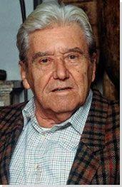 Roberto Matta nació Noviembre 11, 1911 en Santiago, Chile. El fue un pintor mas conocido por sus obras abstracto.