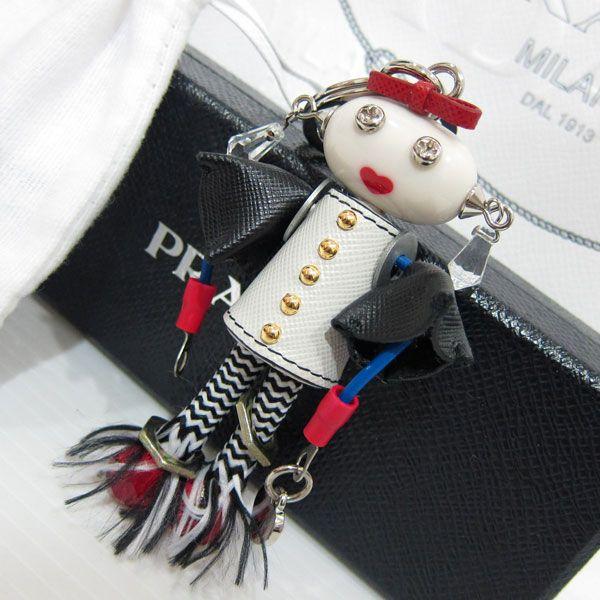 美品 PRADA プラダ マリー ロボット サフィアーノ キーホルダー キーリング バッグチャーム1