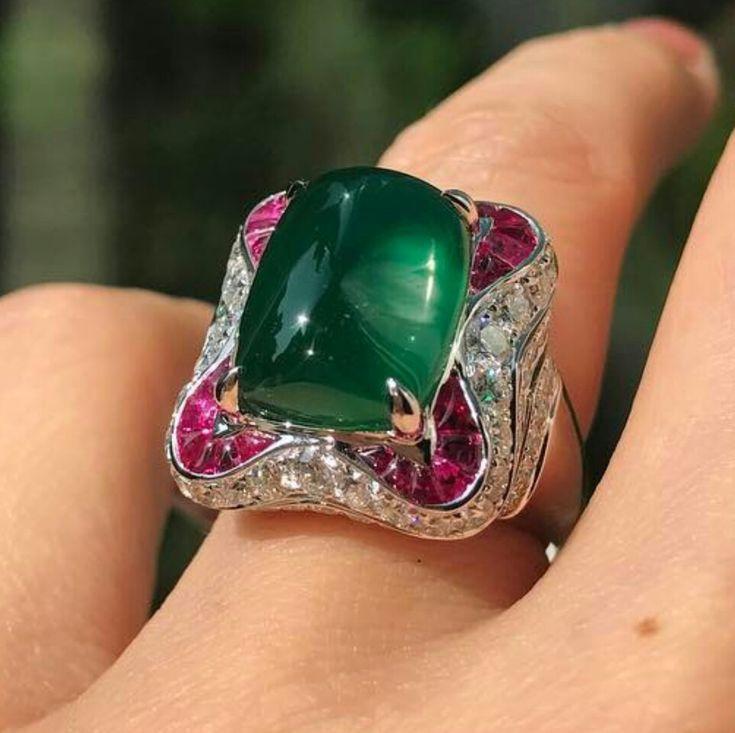 @winston_jane.  Gorgeous emerald and diamonds ring
