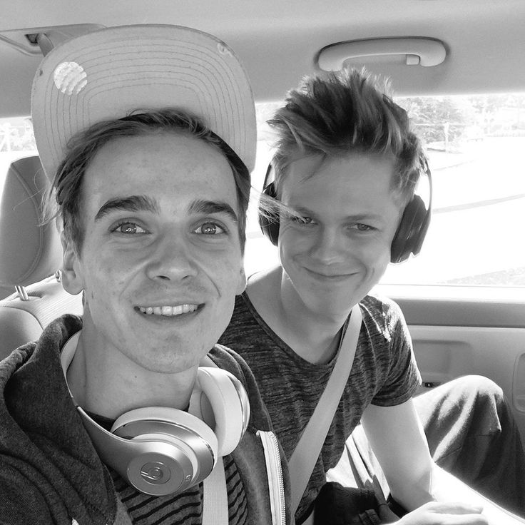 // Joe and Caspar \\