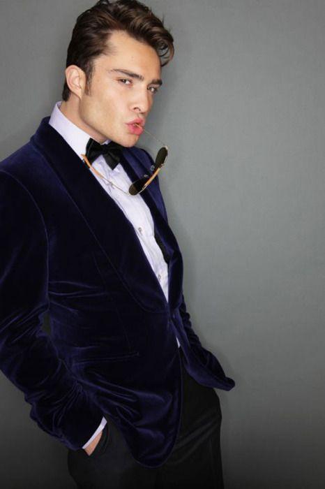 Chuck Bass. love the velvet blazer & the holiday swag.