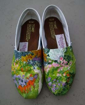 Tom's shoes inspired by Monet's gardens and lilies paintings