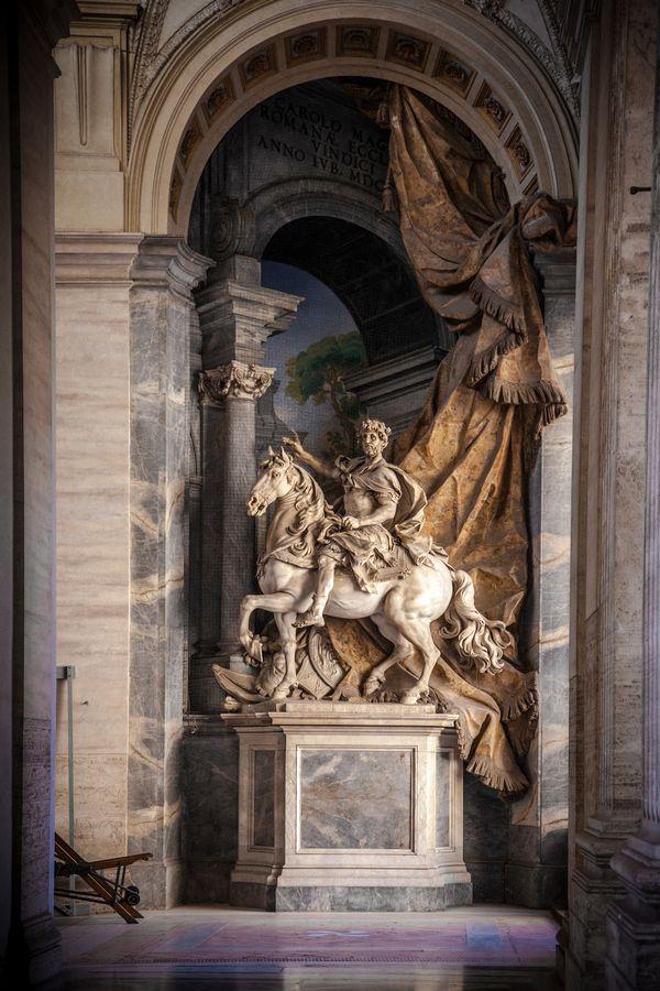 Basílica de San Pedro, Estatua ecuestre., province of Rome Lazio