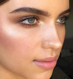 simple, glowy makeup