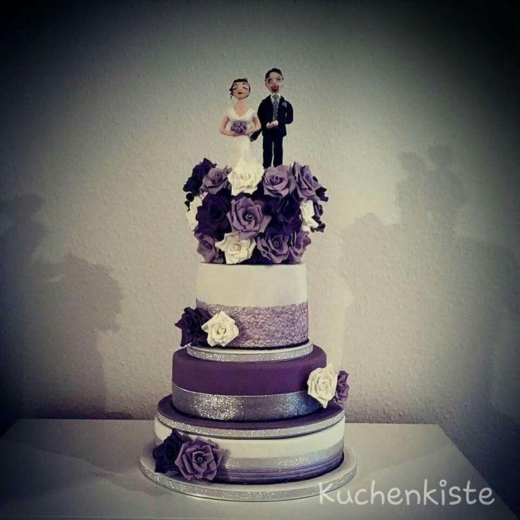 #weddingcake #weddingcakes #love #lila #shiny #blingbling #glitter #lilac #violet #brideandgroom #bride #groom #weddingdress #roses #sugarrose #fondant #sugarpaste #gumpaste #oreocake #carrotcake #snickerscake