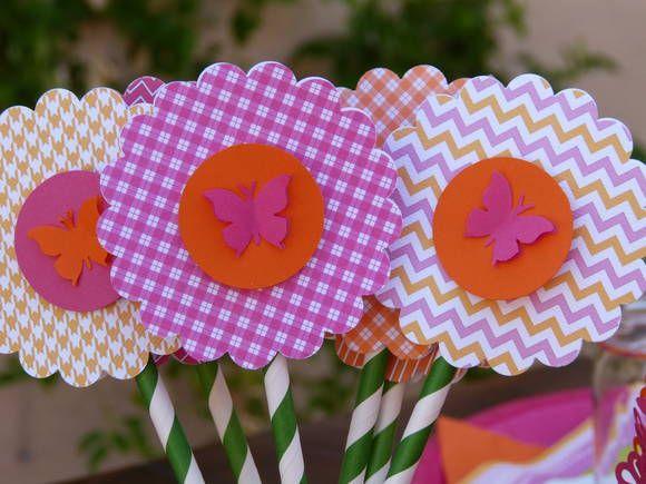 Flor de scrap no tema de sua festa em  canudo de papel.  Várias cores e modelos.