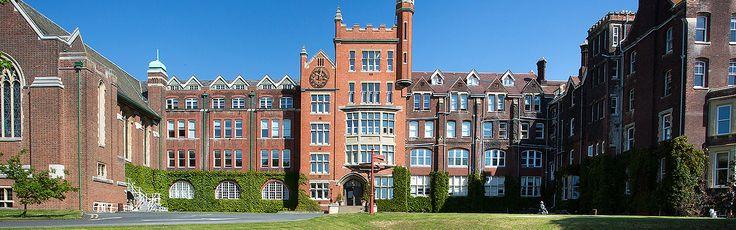 Cursos para estudiar ESO o Bachillerato en inglés con un semestre, trimestre o año escolar en Inglaterra en el internado privado St. Lawrence College