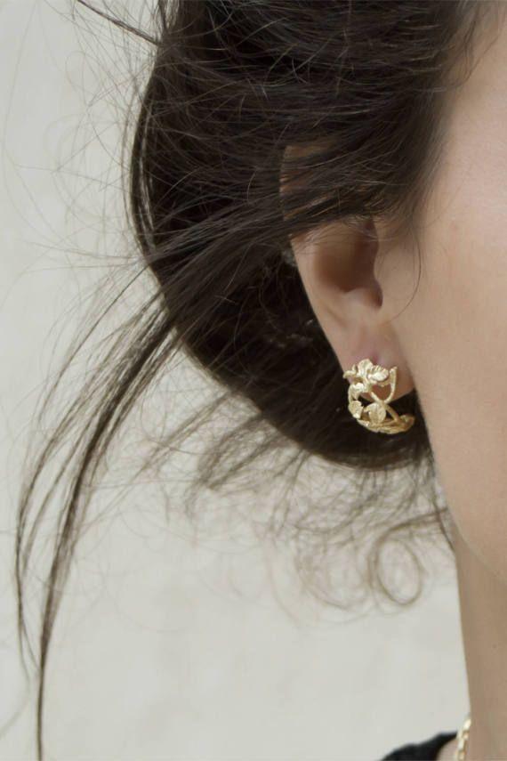 Small Gold Hoop Earrings Huggie Open Leaf Goldearrings