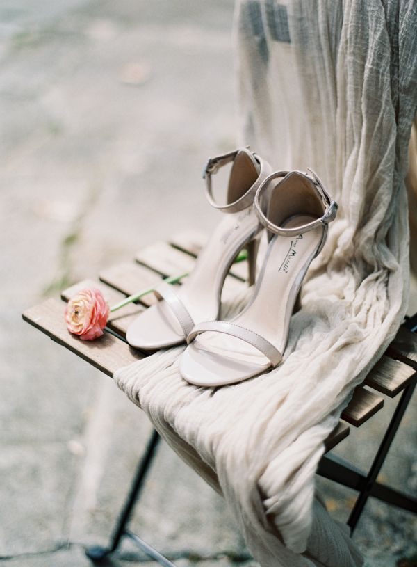 Gray Wedding Shoes | photography by http://www.michaelandcarina.com