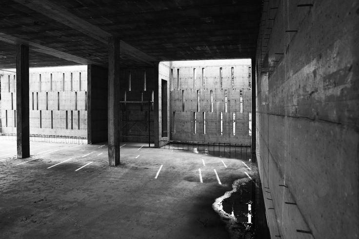 #interiordesign #battistellarchitetti #venice #architecture #showroom #showroomdesign #interior #lights #bricks #corten #stairs #wood #art #interior #house #villa #houseinvenice #concreet