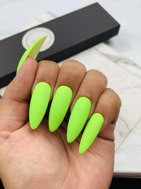 Neon Green Press On Nails Green Nails Neon Nails Vacation Nails Sunmer Nails Highlighter Nails In 2020 Acrylic Nail Designs Neon Green Nails Nail Designs