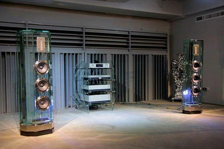 High end audio audiophile music listening room Hi-Fi Dreams.