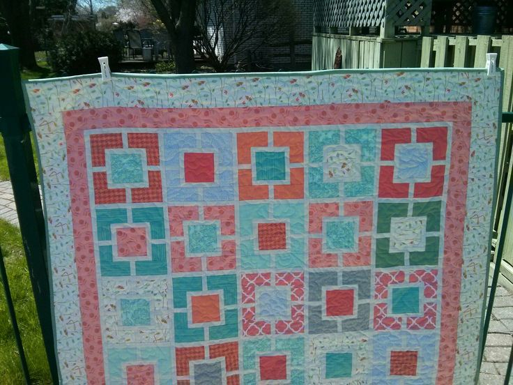 Coral and Mint garden fence quilt