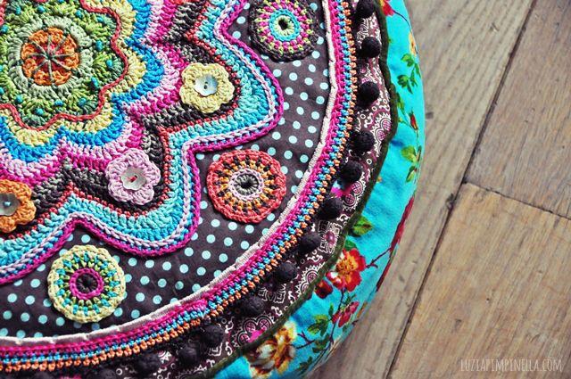 luzia pimpinella BLOG | DIY | handgemachtes BANJU kissen - häkel details | handmade BANJU pillow - crochet details