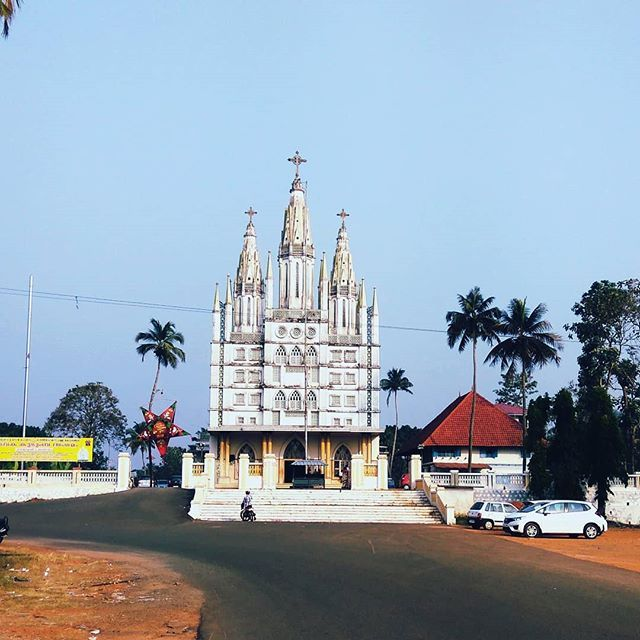 St. Peter's and St. Paul's Orthodox Churchis a church situated inKolenchery in Ernakulam Kerala State India. It was established in the seventh century. Due to the issues between theMalankara Orthodox Syrian ChurchandJacobite Syrian Christian Churchwhich split from the former the church was closed for many years and The church members having protested for many years against the government for not implementing the order and the promises. According toSupreme CourtCurrently on February 16th 2016…