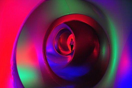 Recorridas serpenteantes que nos llevan por caminos de luz y color.