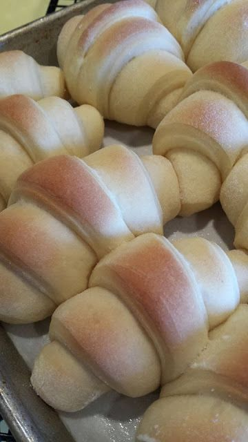 Soft and Simple Dinner Rolls