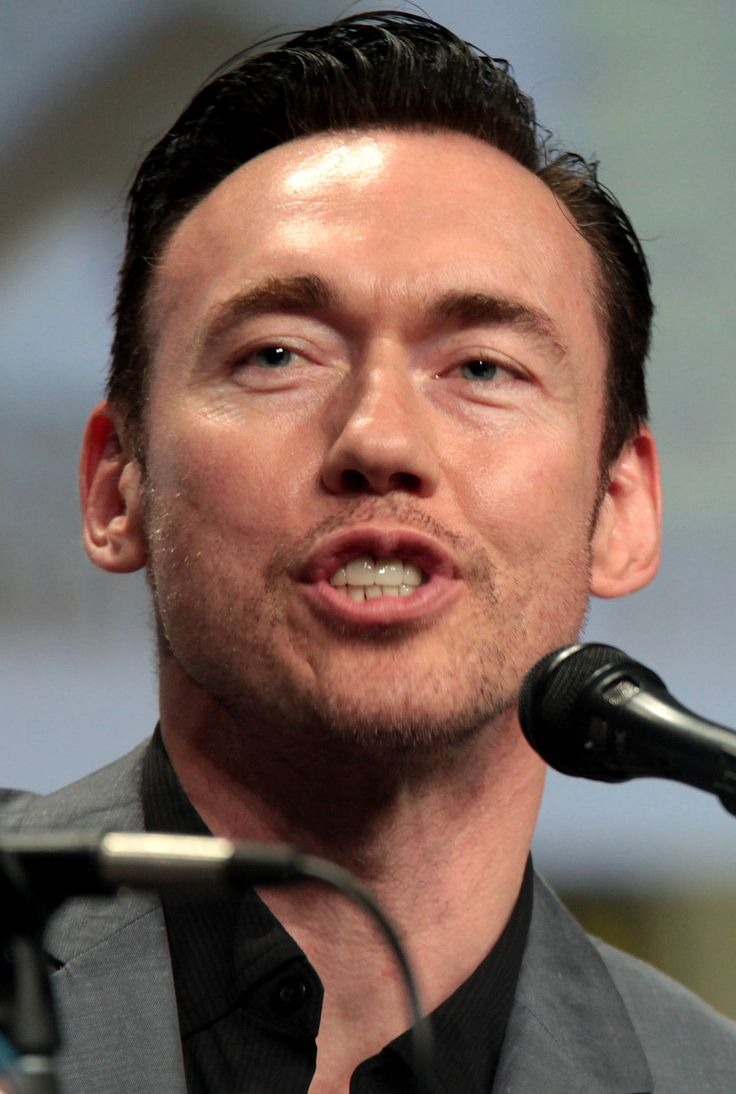 Kevin Durand - Wikipedia