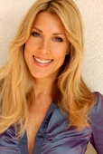 Speaker Spotlight: Lynn Rose, a transformational speaker, singer & TV host having spoken or performed for hundreds of thousands of people around the world. She is the leading expert in an enlightened approach to speaking, called, 'The WOW Factor' where she's worked with billion dollar CEO's, celebrities & top experts to those just starting out.