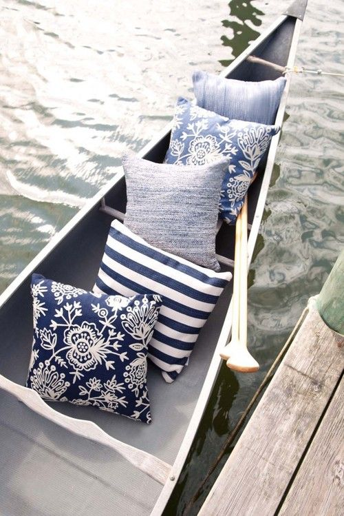 I want a white canoe with similar pillows :)