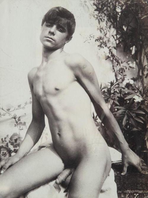 Can give tiki twins nude fucking