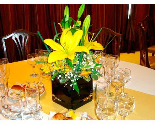 26 best centros de mesa flores naturales images on pinterest - Centro de mesa con flores ...