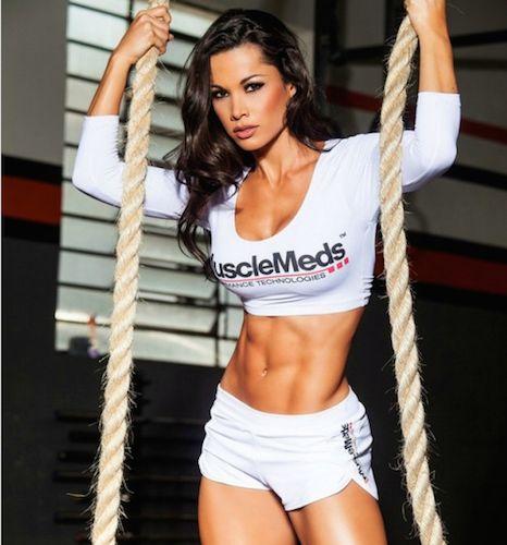 Trening z linami, mięśnie, trening dla kobiet - http://www.fitnow.pl/pl/nowinki/trenuj-mocno-i-skutecznie?page=1