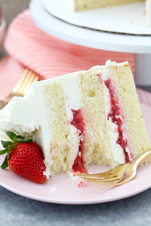 This Amazing Vanilla Cake With A Fresh Strawberry Filling Is To Die For Recipe Moist Vanilla Cake Cake Flavors Strawberry Vanilla Cake
