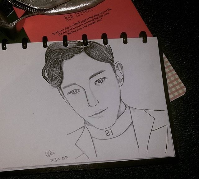I'll be the lucky one~ 🍀 #chen #exo #exom #첸 #엑소 #fanartexo #fanart #sketch  @rhinnemma