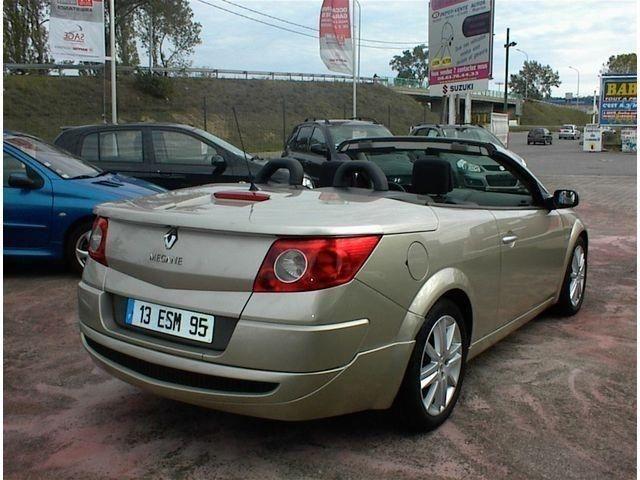Vente Flash Renault Megane CC 1.9 DCI SPORT DYNAMIQUE / 2 occasion à 7590 euros