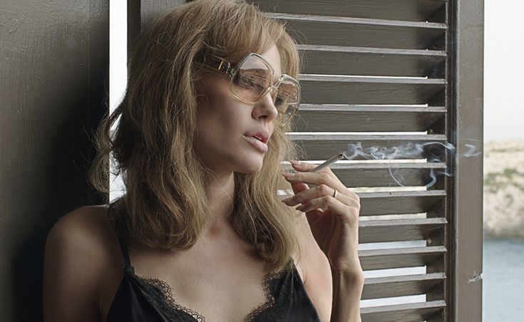 RECOLLECT VINTAGE | Current Inspiration  ____________________________ Angelina Jolie / By the Sea
