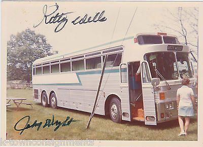 KITTY WELLS JOHNNY WRIGHT COUNTRY MUSIC SINGERS AUTOGRAPH SIGNED SNAPSHOT PHOTO