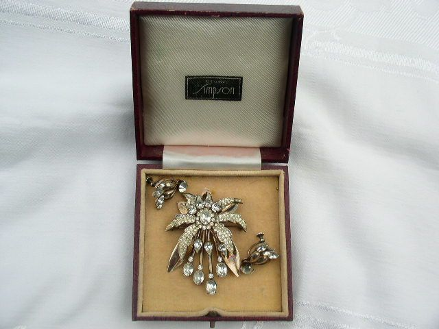 Vintage Sterling Silver Simpson Brooch in original box with near match earrings
