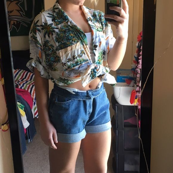 Oversized Hawaiian shirt! My favorite piece to wear to the pool or beach! Goes great with any outfit whether it's tied in the front or untied! Lightweight but still vibrant and fun! Buttons down the front, no stains or piling, great condition! Tops Blouses