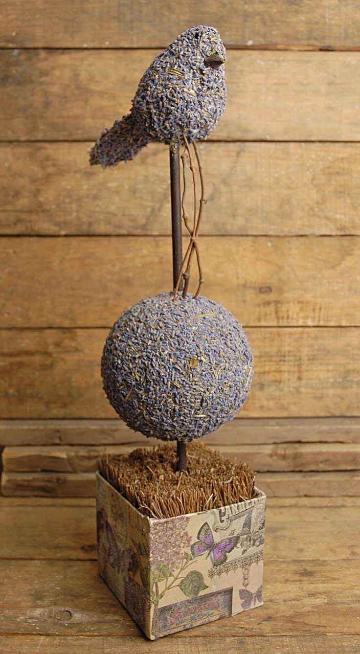 (Lavender Topiary 17in) Very interesting. I'm going to have to try this, and not just with lavender.