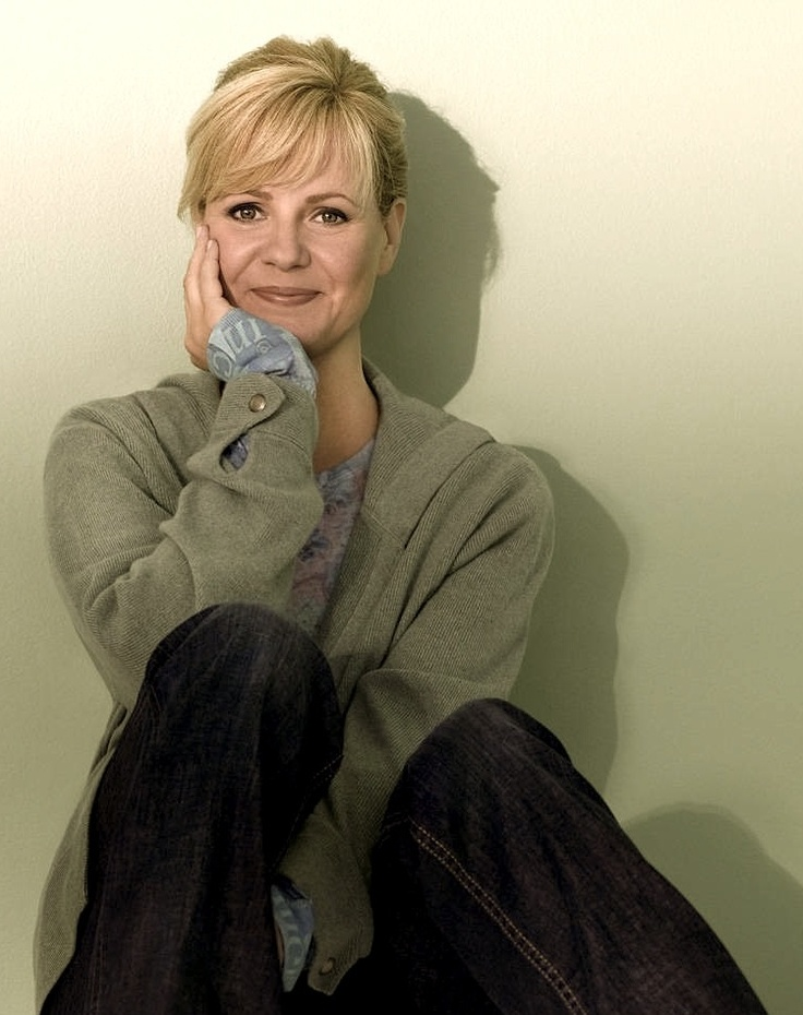 Bonnie Hunt / Funny, Smart, and Beautiful. A scene stealing actress and talk show host