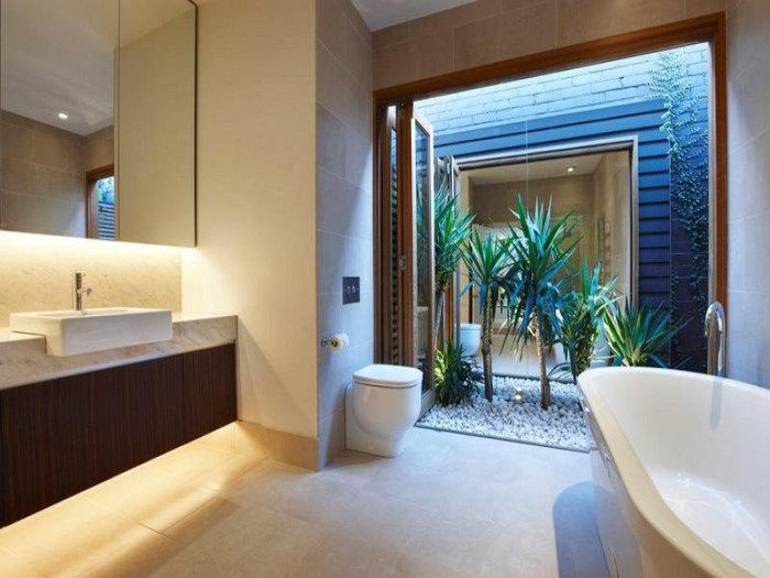 A narrow single fronted house in Port Melbourne, Australia (3)  ... another view of the bathroom and its garden.
