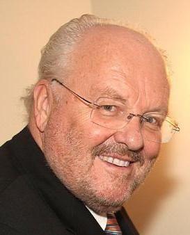 geboren am 04.11.1936 in Wien    Felix Dvorak ist ein österreichischer Schauspieler, Kabarettist, Intendant und Schriftsteller