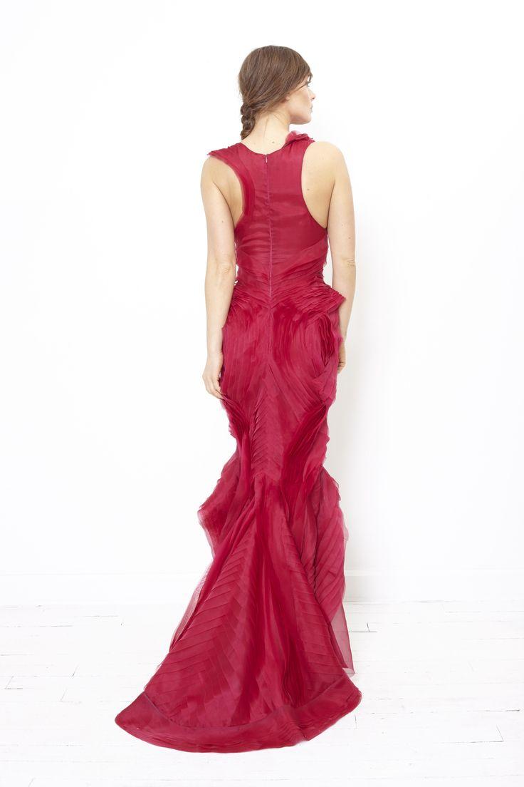 FODDIS AW2015 Ziggy's back. More on www.umbyfoddis.com #glamour #redcarpet #Rome #couture #eveningwear