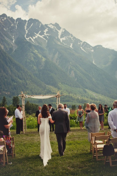 What a beautiful #wedding ceremony backdrop! From http://stylemepretty.com/gallery/picture/948886/  Photo Credit: http://rebeccaamberphotography.com/  Event Design by http://spreadloveevents.com/