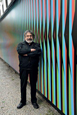 No instante da cor>Um dos maiores artistas em atividade, o venezuelano Carlos Cruz-Diez expõe em São Paulo suas pinturas espaciais