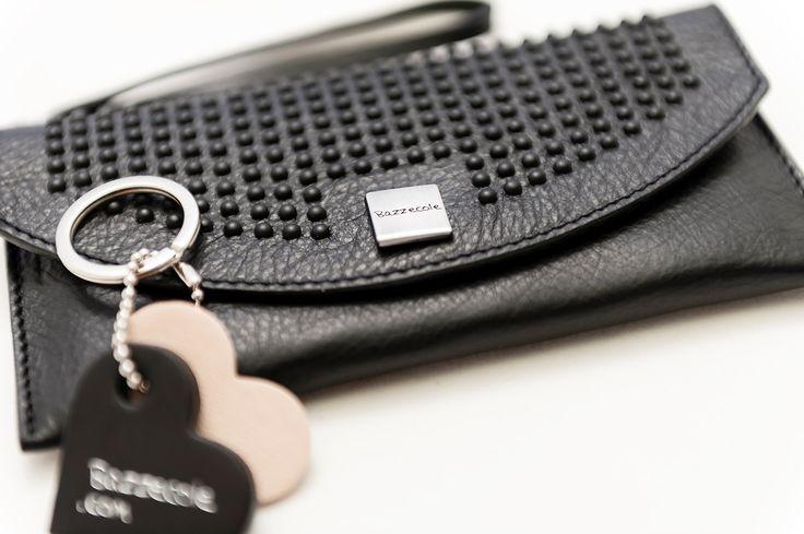 Le custodie in pelle Bazzecole sono ideali per il vostro Smartphone #Samsung e per molte altre marche. #Moda #Fashion #Style #Madeinitaly #Handmade #Bazzecole #custodie #custodia #leather #cases #Vienna