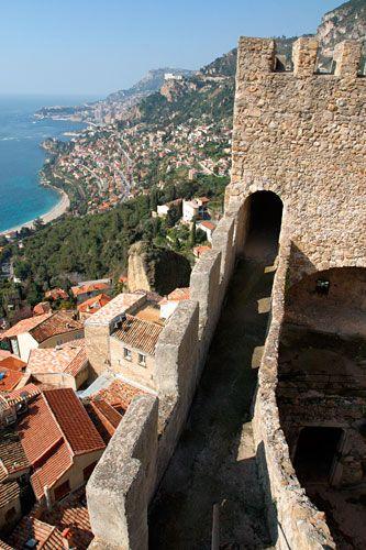 #CoteD'Azur Roquebrune https://www.placeling.com/places/roquebrune-cap-martin    Château de Roquebrune