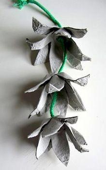 egg carton flower garland (instead of lights)   http://belladia.typepad.com/.a/6a00d8341cc08553ef01157033bbf0970b-pi