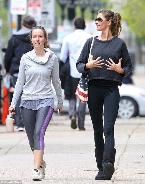 Gisele Bundchen with twin sister Patricia