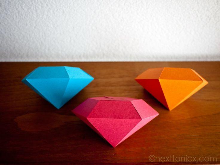 Caixa de embalagem / presente em forma de diamante