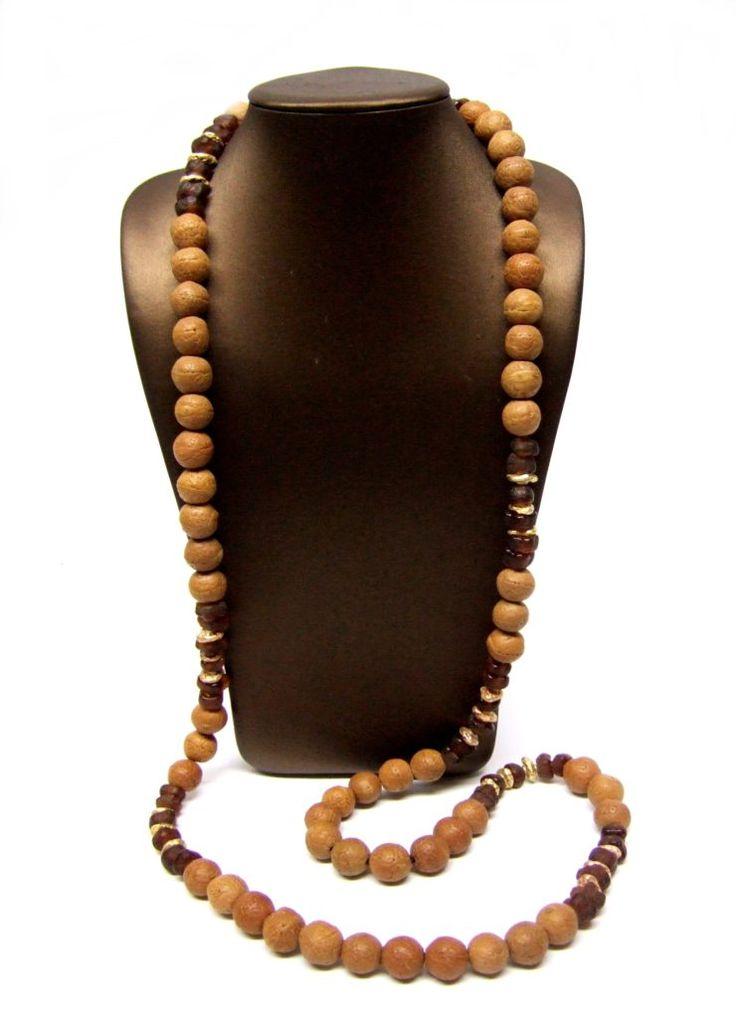 Collar étnico. Collar de cuentas de madera, cristal reciclado de África y stones de plata con baño de oro rosa y oro amarillo.