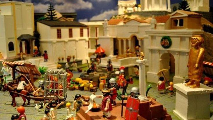 Belén único, ¡hecho con Clicks de Playmobil! En Tomares, esta maravilla ocupa 140 metros cuadrados y más de 6.200 figura de clicks, ¡es alucinante! Organizado por el Ayuntamiento y Clickers, la Asociación de Coleccionistas de Clicks de España, este Belén ha sidoLeer más